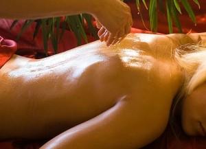 Эротический боди массаж