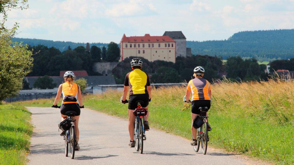 f59a09e6ad375cd9f092f74ef524524d 1024x576 Особенности велосипедных туров в Чехии