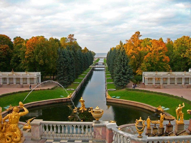 Куда поехать осенью в России